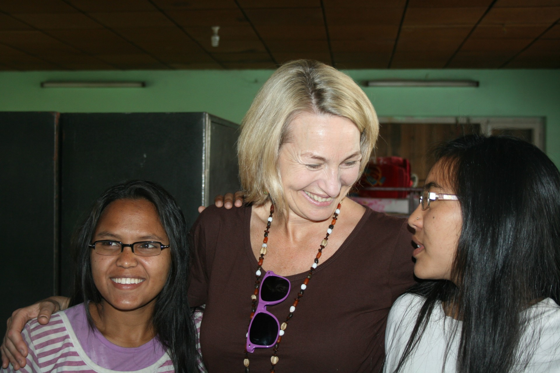 Susan-with-two-of-the-136-children-ISIS-saved-from-child-traffickers-in-2006..jpg